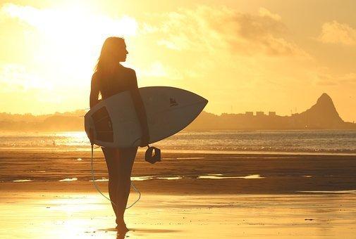 """サーフィン初心者がサーフボードを""""買う前""""に知るべきこと"""